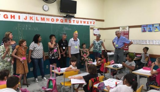 PREFEITURE PROMOTES ENCOUNTER BETWEEN ELDERLY AND STUDENTS